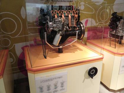 広島市交通科学館 ディーゼルエンジン カットモデル
