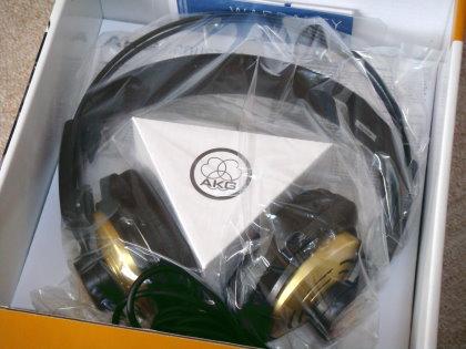 AKG プロフェッショナルモニター・セミオープンヘッドフォン K121STUDIO