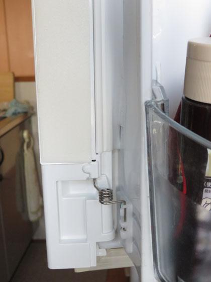 東芝製冷蔵庫 開閉ドアのバネ破損 修理完了