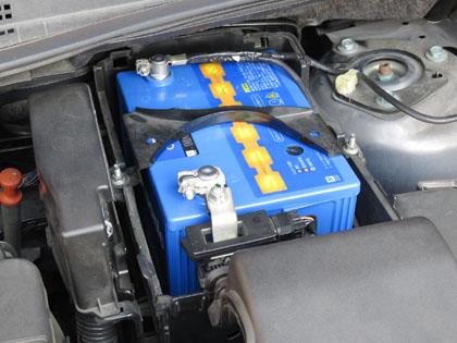 プレマシー パナソニック ブルーバッテリ カオス 100D23L 装着完了battery6_150328.jpg