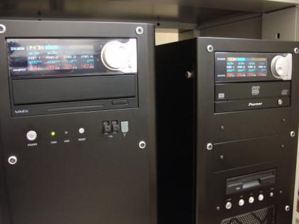 ファンコンが正常に動作していた時のリビングPC(右側)