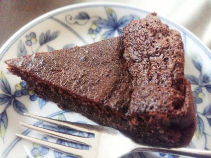奥さん手作りチョコレートケーキ