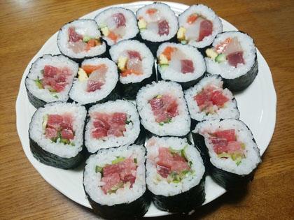 イオン マグロの恵方巻きと奥さん手作り海鮮恵方巻き