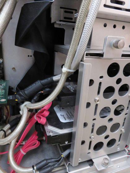 リビング自作PCのHDD交換
